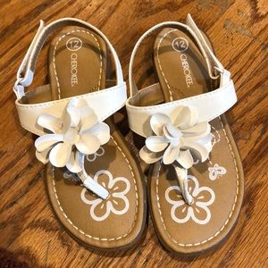 Girls Cherokee white sandals sz 12 Velcro